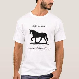 Camisa demasiado corta del caballo de Tennessee de