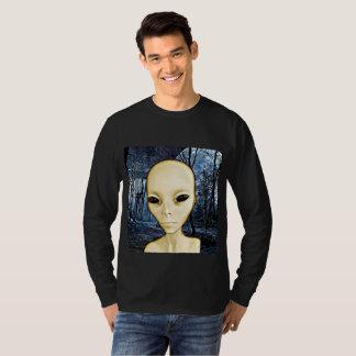 Camisa extranjera de la invasión del UFO del gris