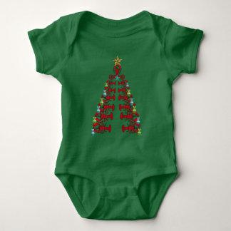 Camisa fea del fiesta lindo del árbol de navidad