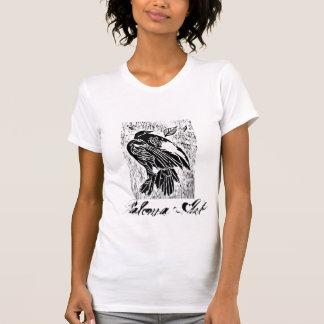 camisa muerta de la hembra del pájaro