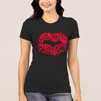 Camisa roja de los labios del brillo