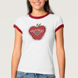Camisa roja del maestro de jardín de infancia de