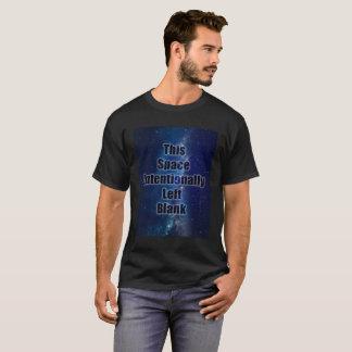 Camisa vacía del retruécano del espacio