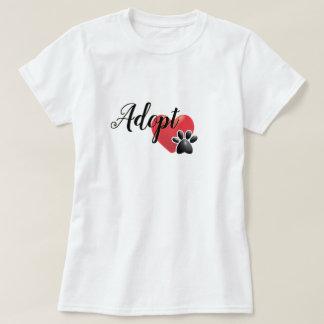 Camiseta Adopte los animales del refugio del corazón y de