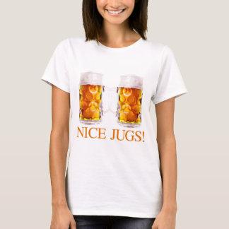 Camiseta agradable del vidrio de cerveza de los