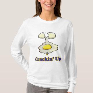 Camiseta agrietar para arriba el huevo agrietado