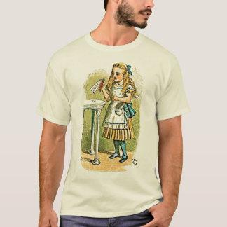 """Camiseta Alicia en el país de las maravillas """"me bebe"""""""