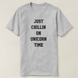 Camiseta Apenas Chillin el tiempo del unicornio