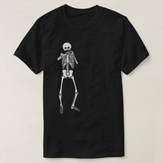 Camiseta Armónica que juega el esqueleto
