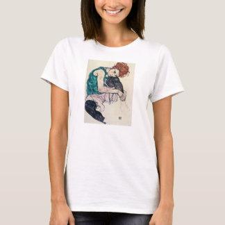 Camiseta asentada Schiele de la mujer de Egon
