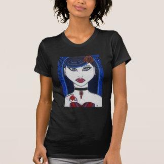 Camiseta atractiva del chica del vampiro EMO