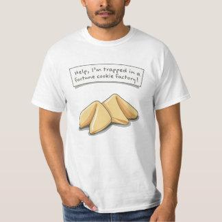 Camiseta ¡Ayude, yo se atrapan en una fábrica de la galleta