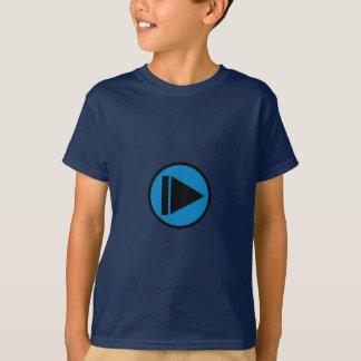 Camiseta azul al revés de la cámara lenta
