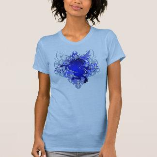 Camiseta azul del unicornio de la fantasía urbana