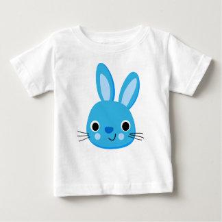 Camiseta azul linda del bebé del conejo