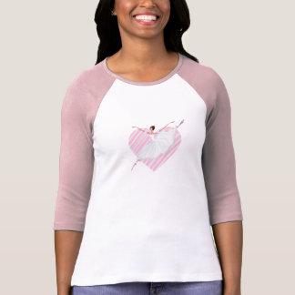 Camiseta Baile lindo de la bailarina en un backgroun rayado