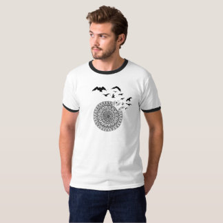 Camiseta básica del campanero con los pájaros de