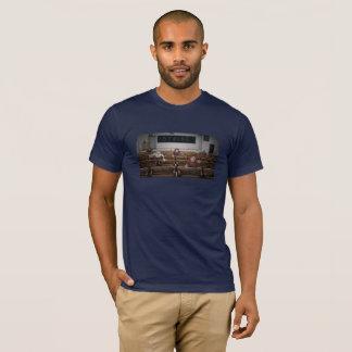 """Camiseta básica - """"huelga de la facultad """""""