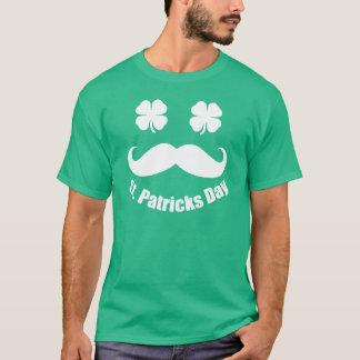 Camiseta Bigote del día de St Patrick con los ojos del