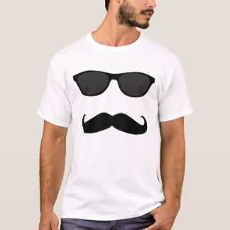 Camiseta Bigote y gafas de sol