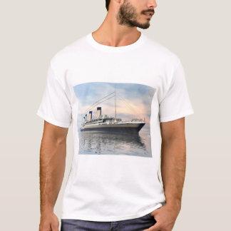 Camiseta boat_titanic_close_water_waves_sunset_pink_standar
