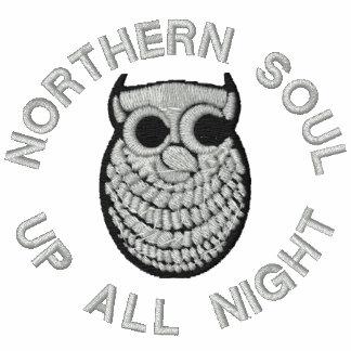 Camiseta bordada alma septentrional retra de las