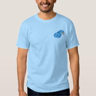 Camiseta Bordada Macaw del jacinto