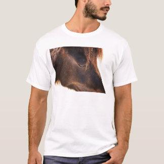 Camiseta Caballo que mira abajo