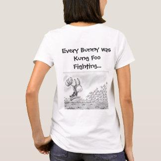 """Camiseta """"Cada conejito era Kung Foo que luchaba…"""