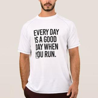 Camiseta Cada día es un buen día cuando usted corre - .png