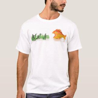 Camiseta caída de los pescados anaranjados gigantes