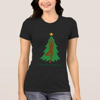 """Camiseta """"Camiseta de la actitud del árbol de navidad"""""""