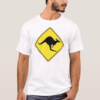 Camiseta Canguro que cruza 1