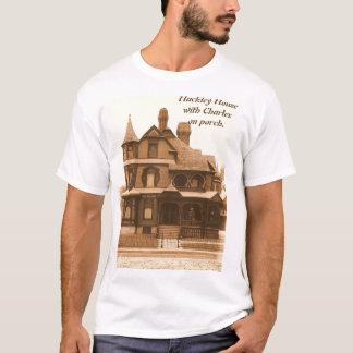 Camiseta Casa de Hackley, Charles en el pórtico: La