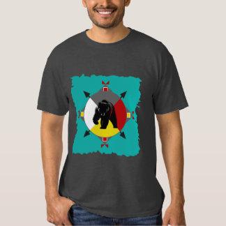 Camiseta cherokee del oso de cuatro direcciones