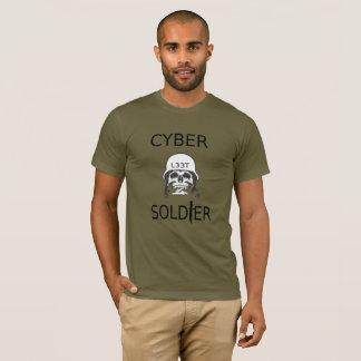 Camiseta cibernética del pirata informático del