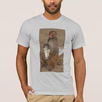 Camiseta Cierre de la botella de la demostración del mono