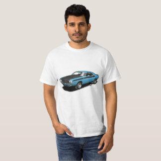 Camiseta clásica del coche del desafiador azul del