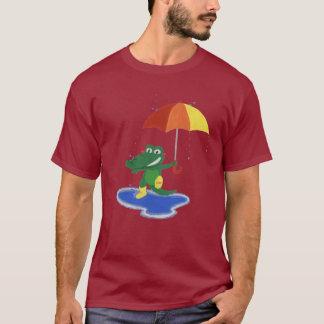 Camiseta Cocodrilo lindo debajo de la lluvia