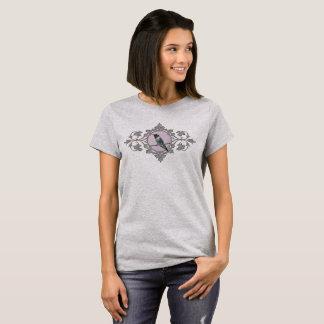 Camiseta Colibrí en rama del vintage y marco de las hojas