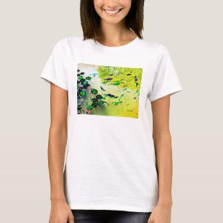 Camiseta colorida de los pescados