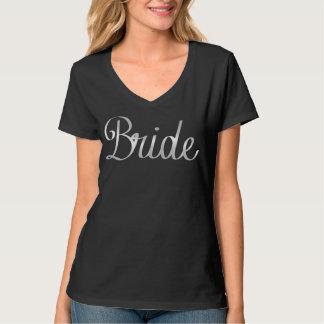 Camiseta con cuello de pico cursiva de la