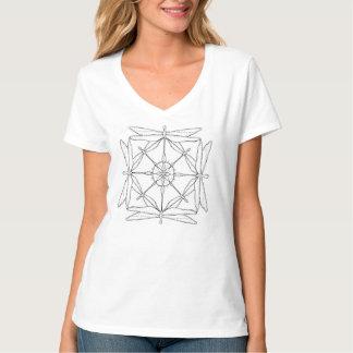 Camiseta con cuello de pico de la mandala de la