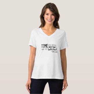 Camiseta con cuello de pico para mujer