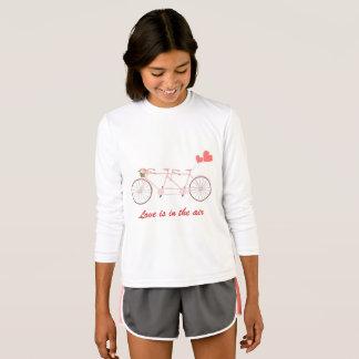 Camiseta con el tándem de la bicicleta con el
