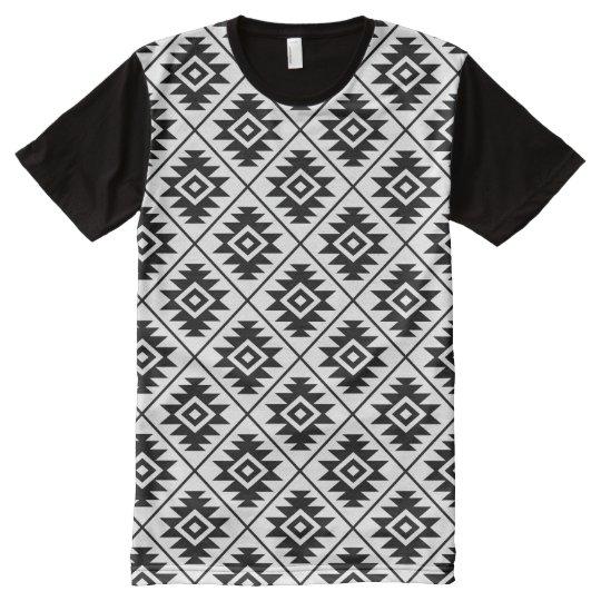 9d0d0b728 Camiseta Con Estampado Integral Negro estilizado del modelo del Rpt del  símbolo