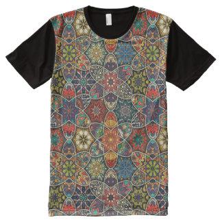 Camiseta Con Estampado Integral Remiendo del vintage con los elementos florales de