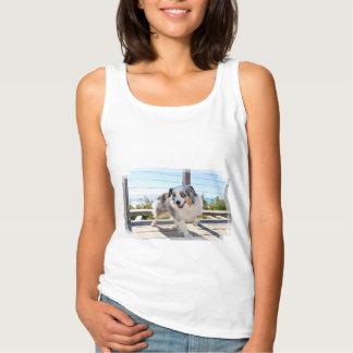 Camiseta Con Tirantes Bennett - mini australiano - Rosie - playa de