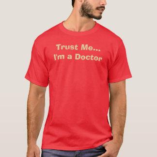 Camiseta Confíe en que… yo es doctor