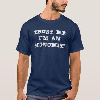 Camiseta Confíe en que yo es economista
